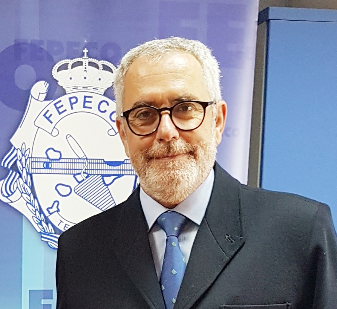 PELIGROSAMENTE MORADOS, por Óscar Izquierdo, presidente de FEPECO